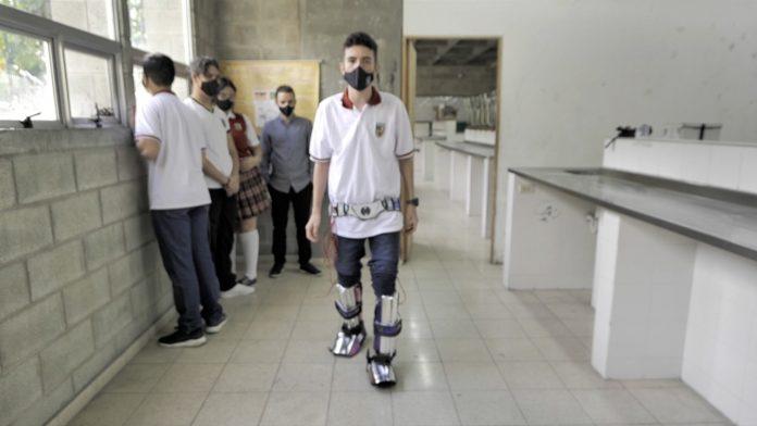 estudiantes_envigando-premio-piernas-antiminas